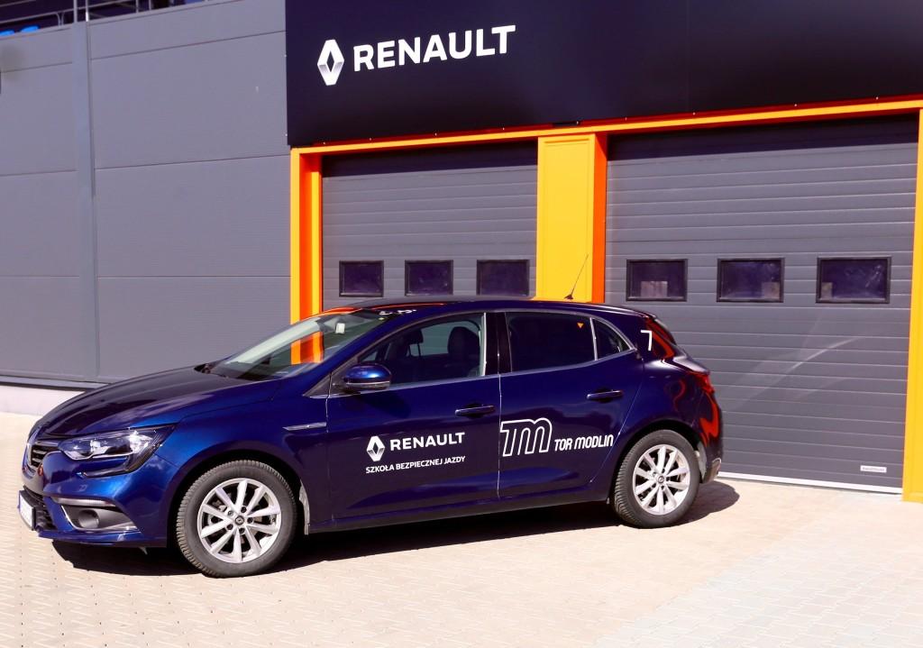 Szkola Bezpiecznej Jazdy Renault_1