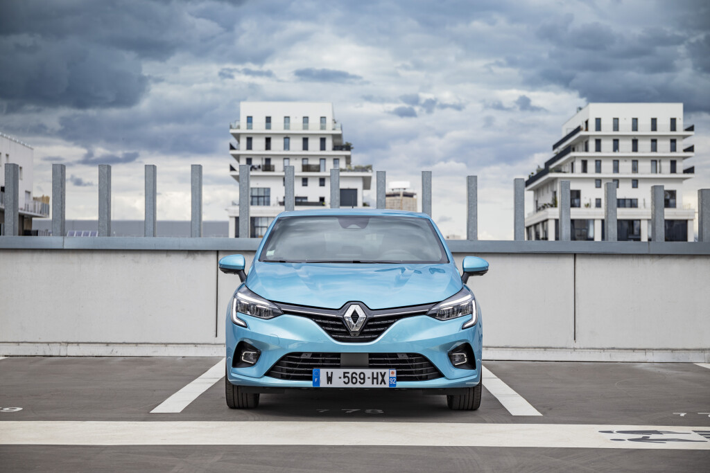 2020 - Renault CLIO E-TECH tests drive (8)